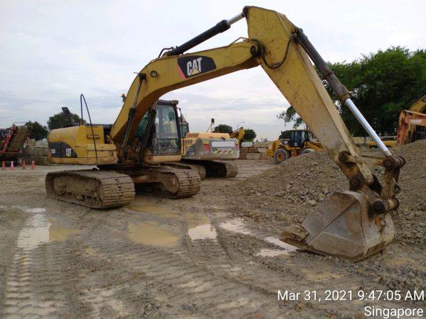 CAT 320D excavator (2007)
